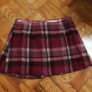 🍎 mini skirt. 🍎 Is 5 for $10